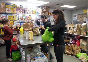 Second Annual Feed Chicago helps more in need photo